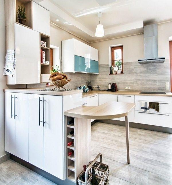Holz Arbeitsplatten Küche Moderne Helle Wandfarbe Weiß Fronten Spiegeln  Holz Beige Holzoptik