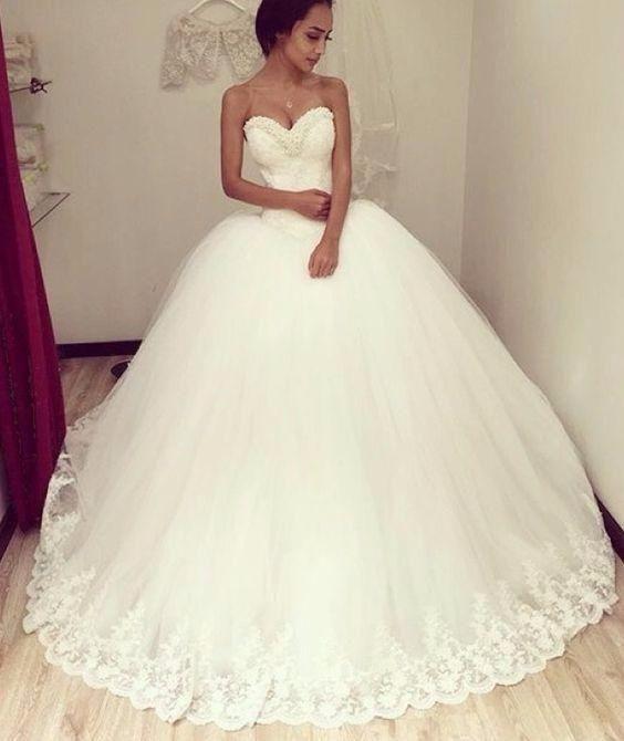 Robe de mariée coupe princesse avec un volume extra !