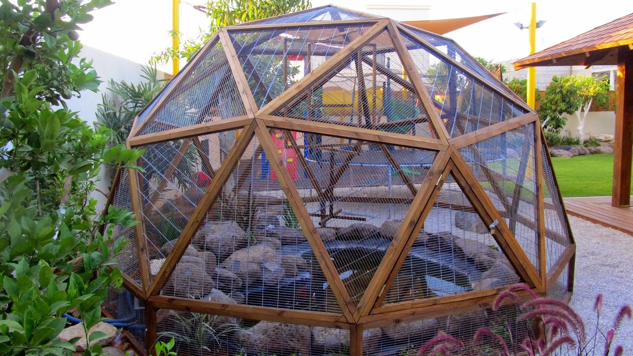 wooden geodesic dome construction stage 2 cutting grooves for