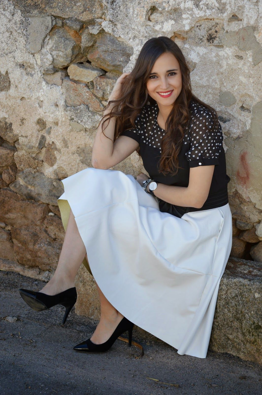 Be inspired by the people in the street! www.streetstylecity.blogspot.com white leather skirt