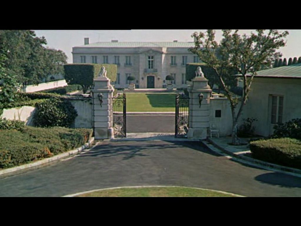 The Kirkeby Mansion From The Beverly Hillbillies Mansions Home Tv The Beverly Hillbillies