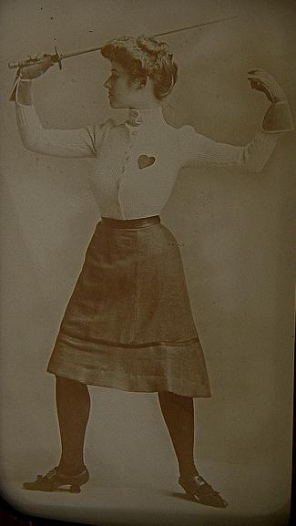 Vintage photo of female fencer. Image courtesy of http://ornamentedbeing.tumblr.com
