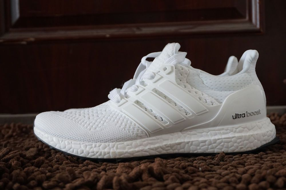 0d4518032 S77416 Deadstock Adidas Ultra Boost 1.0 Triple White Size 9.5 Running Shoes   fashion  clothing