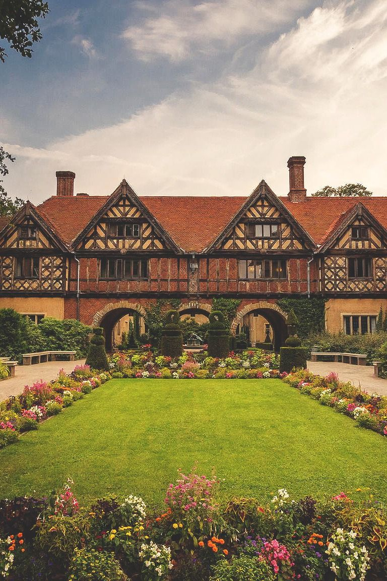 Schloss Cecilienhof Germany Beautiful Places To Live Beautiful Buildings German Architecture