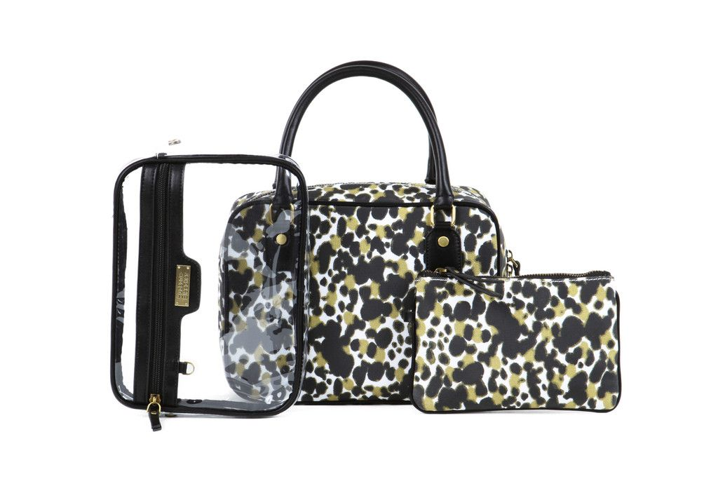 Palais Voyager Toiletry Bag http://www.hudsonandbleecker.com/collections/travel-toiletry-bag/products/travel-toiletry-bag-palais