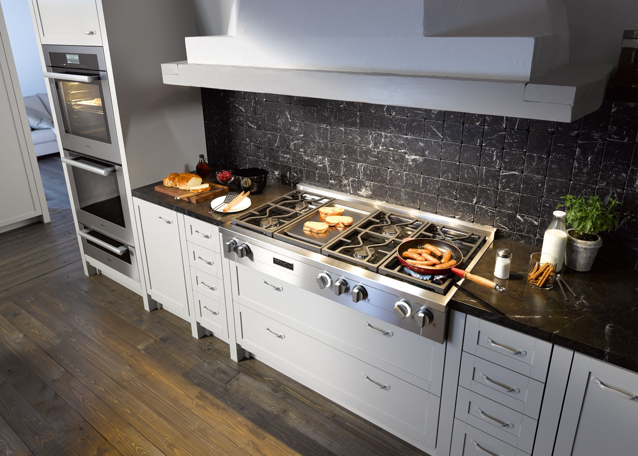 Miele Rangetop Cooktop With Built In Griddle Wall