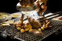 비싸도 줄서먹는 돼지갈비집, 맛대맛 1위 '봉피양': PORK RIB BBQ