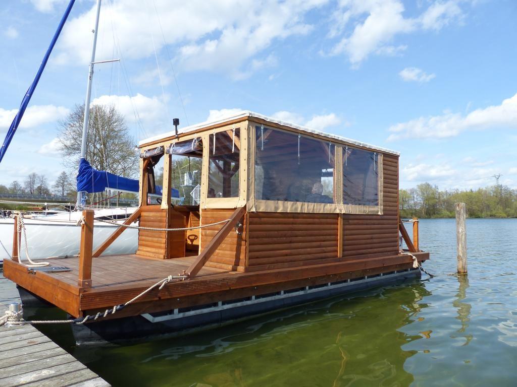 Hotel Hausboot auf dem Schweriner See