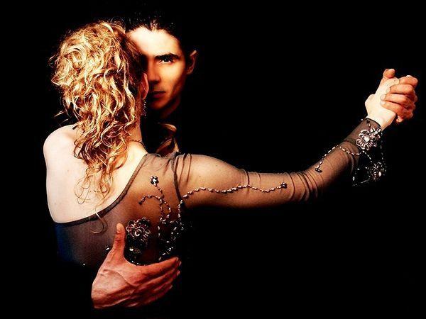 Resultado de imagem para couple dancing
