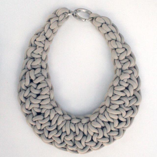 Alienina gioielli da materiali di riciclo