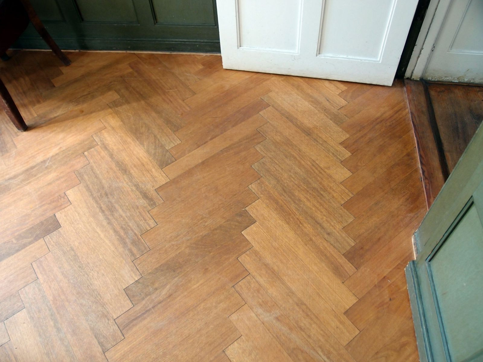 who doesnu0027t love classic Herringbone floors The