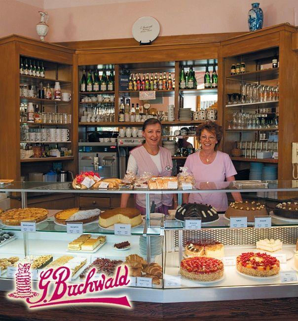 Popular Torten Kuchen u Kaffee In der Konditorei Buchwald in Berlin