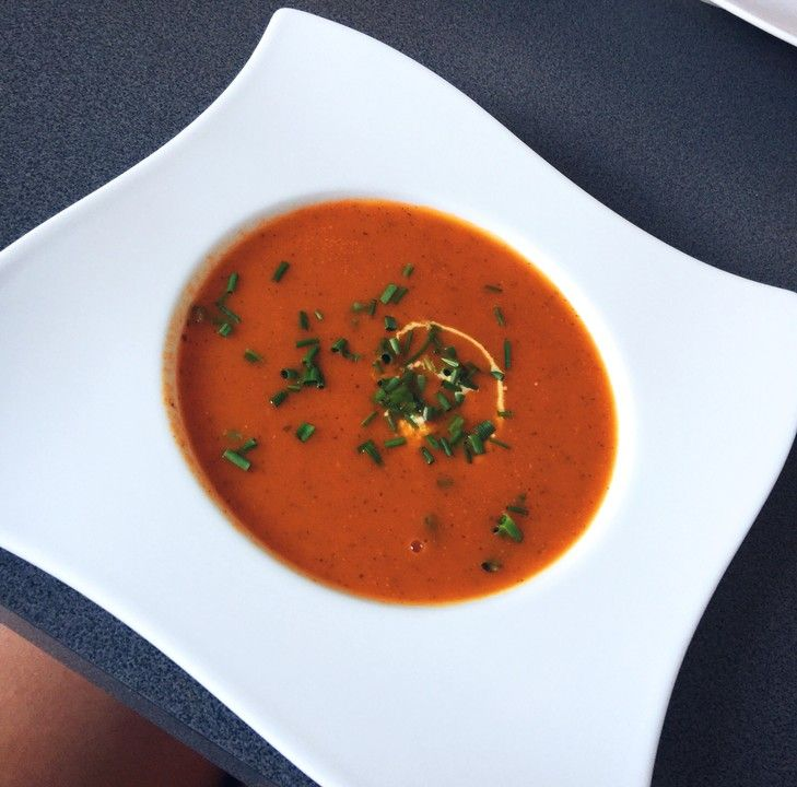 Frische Tomatensuppe, ein gutes Rezept aus der Kategorie Warm. Bewertungen: 231. Durchschnitt: Ø 4,5.