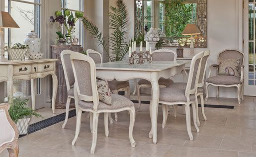 French Country Dining Table This Is A Very Attractive Six Seater