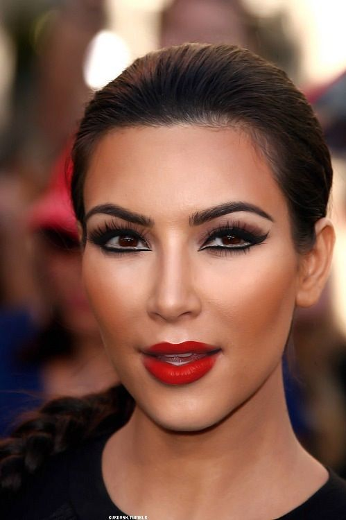 Makeup | Kim kardashian makeup, Kardashian makeup, Kim ...