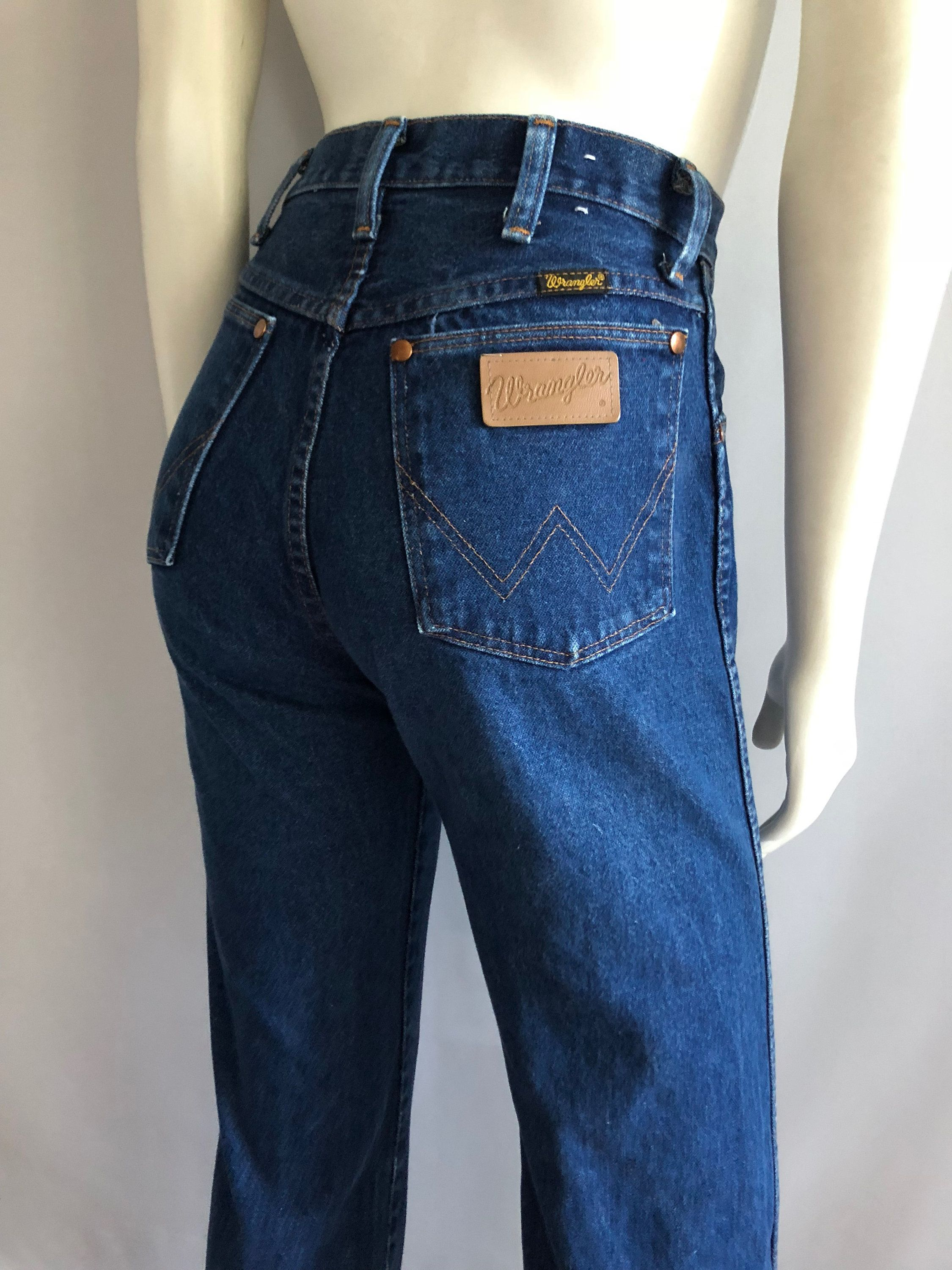 f3253a94ced8 Vintage Women's 80's Wrangler Jeans, High Waisted, Straight Leg (S) by  Freshandswanky on Etsy