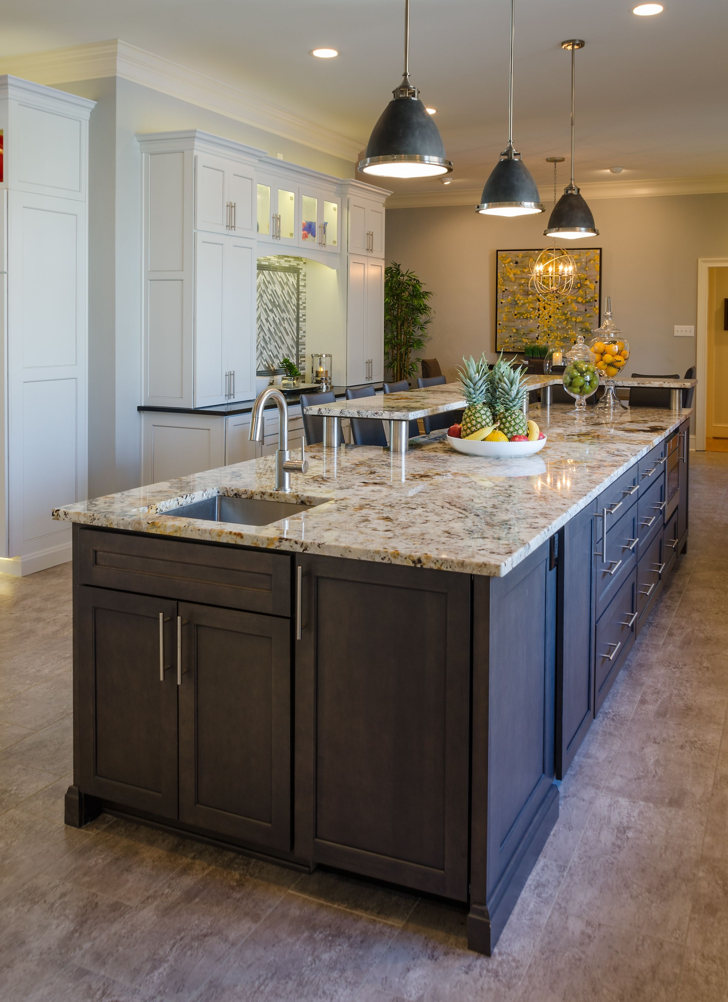 Island In A Sleek And Expansive Transitional Kitchen With Plenty Of Storage And Space For A Chef Or Tw Home Kitchens Kitchen Bathroom Remodel Home Remodeling