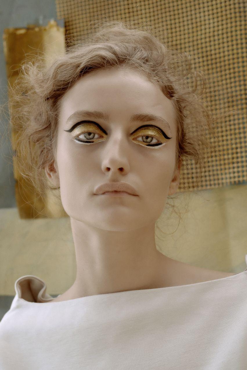 Adel. Hommage à Klimt. Photography Valeria Mitelman Set