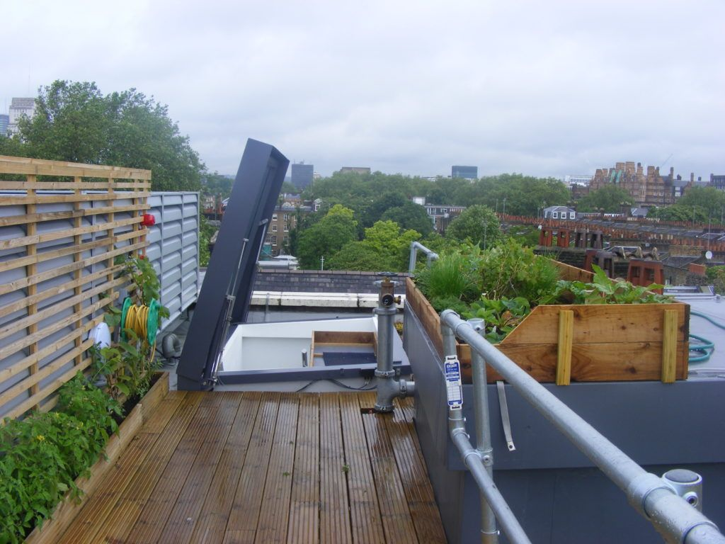 Flat roof terrace access rooflight for education institute
