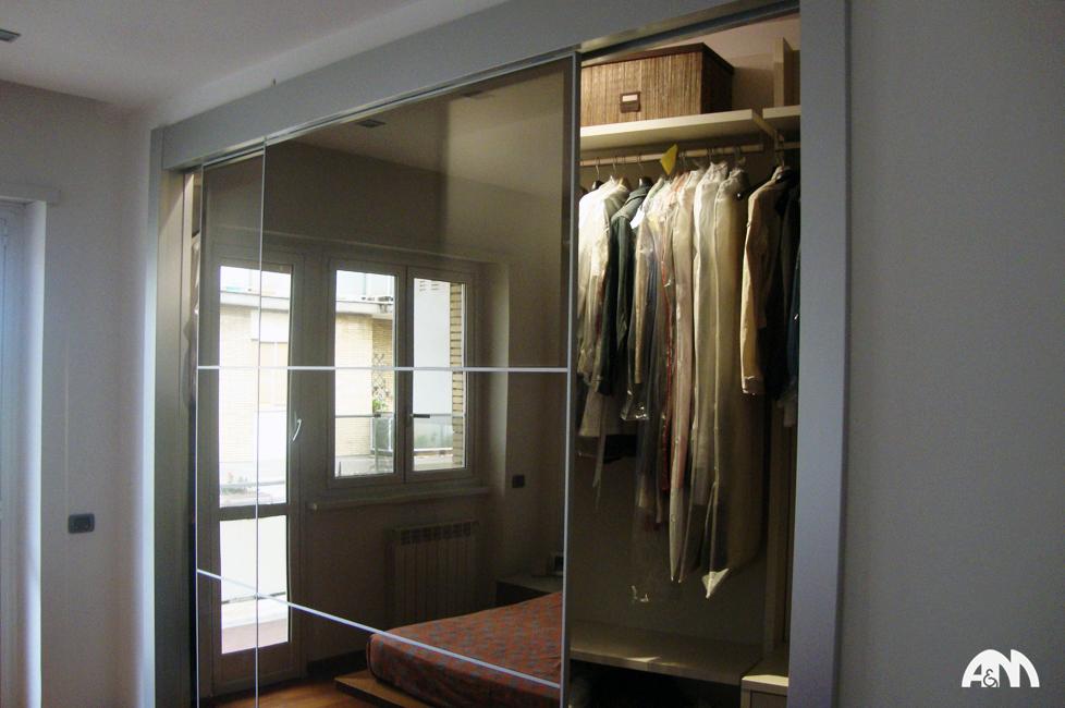 Una cabina armadio da noi realizzata per un appartamento a Roma ...