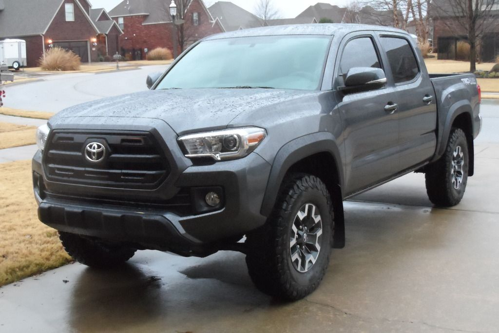 SR grill on grey TRD off Road 2016 Toyota 2016