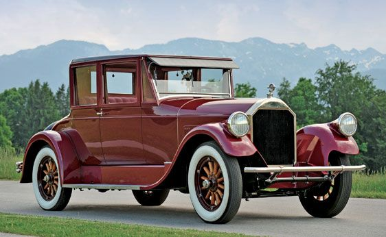 Another 1927 Pierce Arrow Series 36 This Time In Coupe Form Pierce Arrows Were Luxury Cars Made From 1901 1938 In Buf Vintage Cars Cool Old Cars Classic Cars