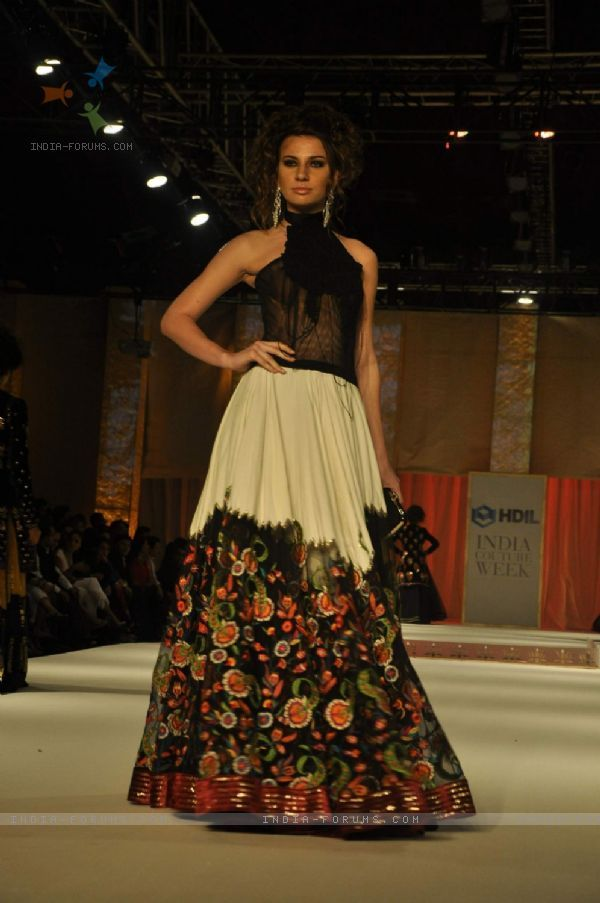 Model On The Ramp For Designer Rohit Bal Collection At
