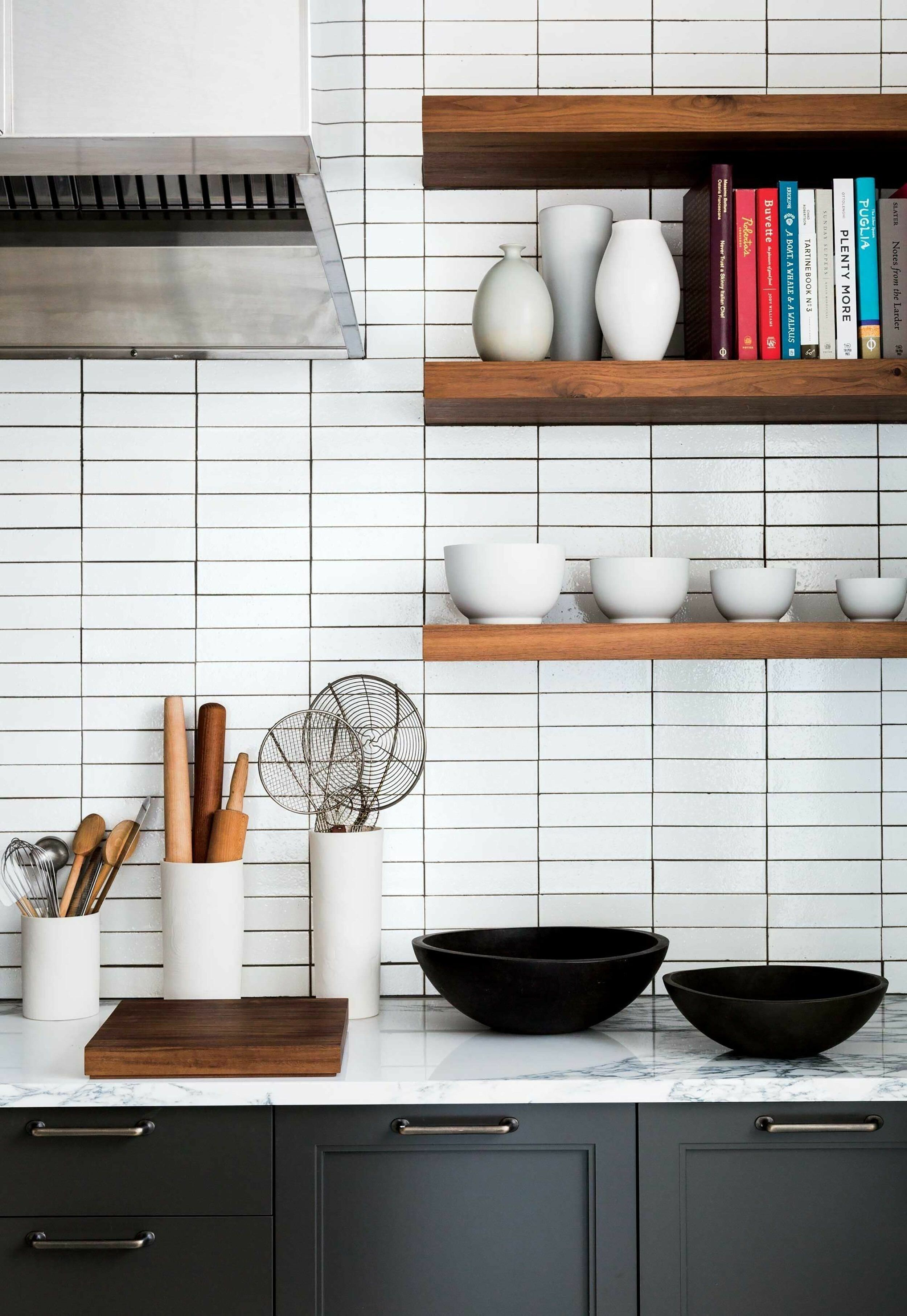 93 Awesome Modern Kitchen Wall Tiles Ideas For Good Kitchen White Subway Tile Kitchen Modern Kitchen Backsplash Kitchen Interior