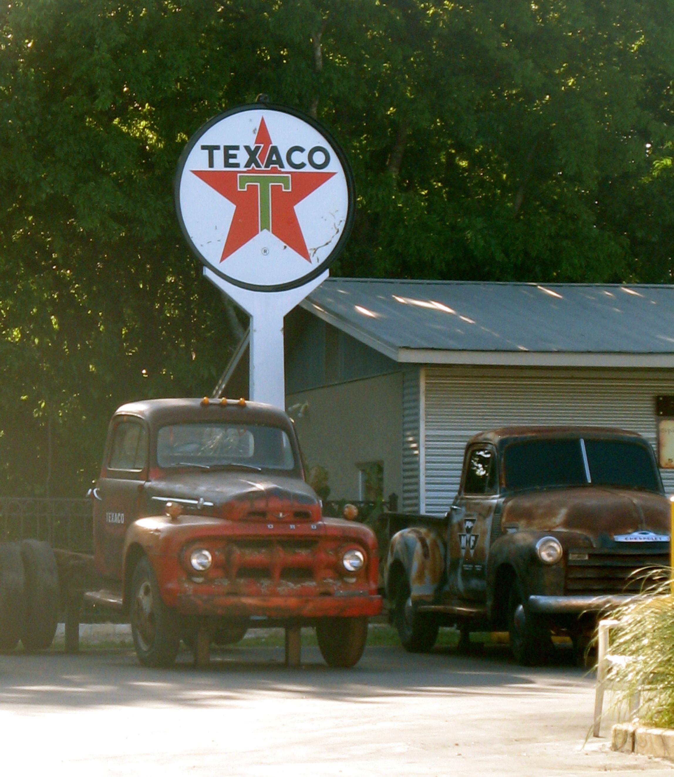 Vintage Sign Vintage Car Burnet Rd Austin Tx Austin State Of