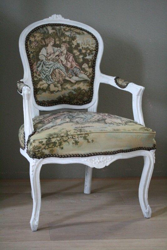 Frans stoeltje met gobelin stof with barok eetstoelen for Barok eetstoelen