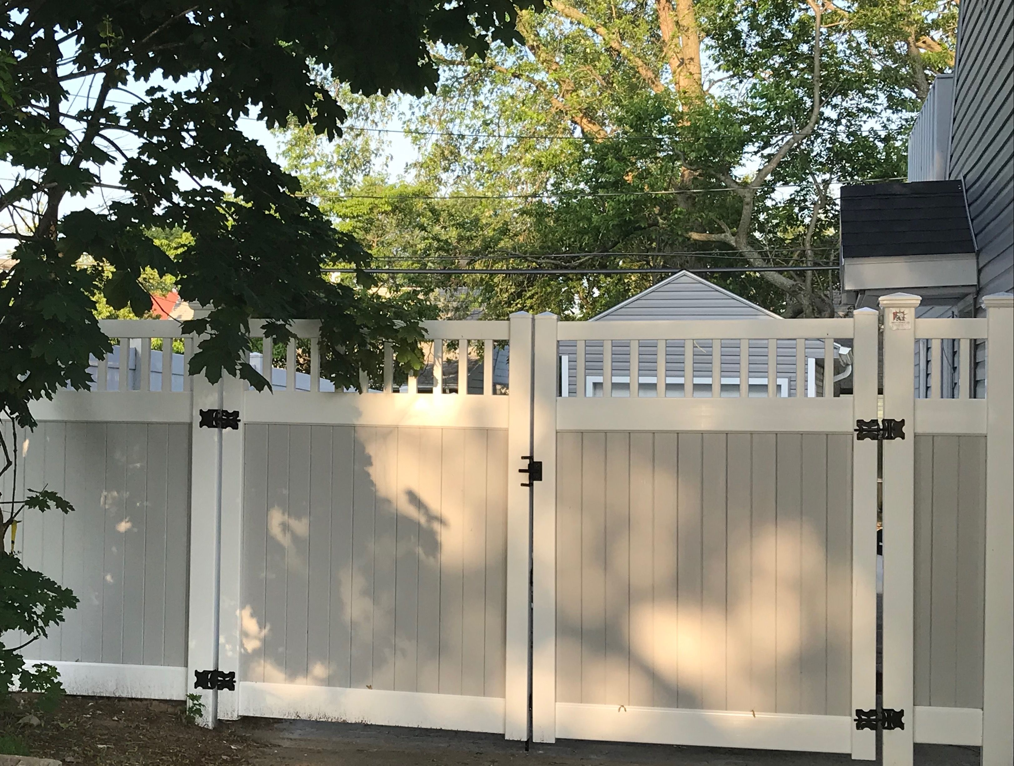 72 Grey White Two Tone Pvc Fence Double Driveway Classic Picket Top Gates Backyard Fences Backyard Vinyl Privacy Fence
