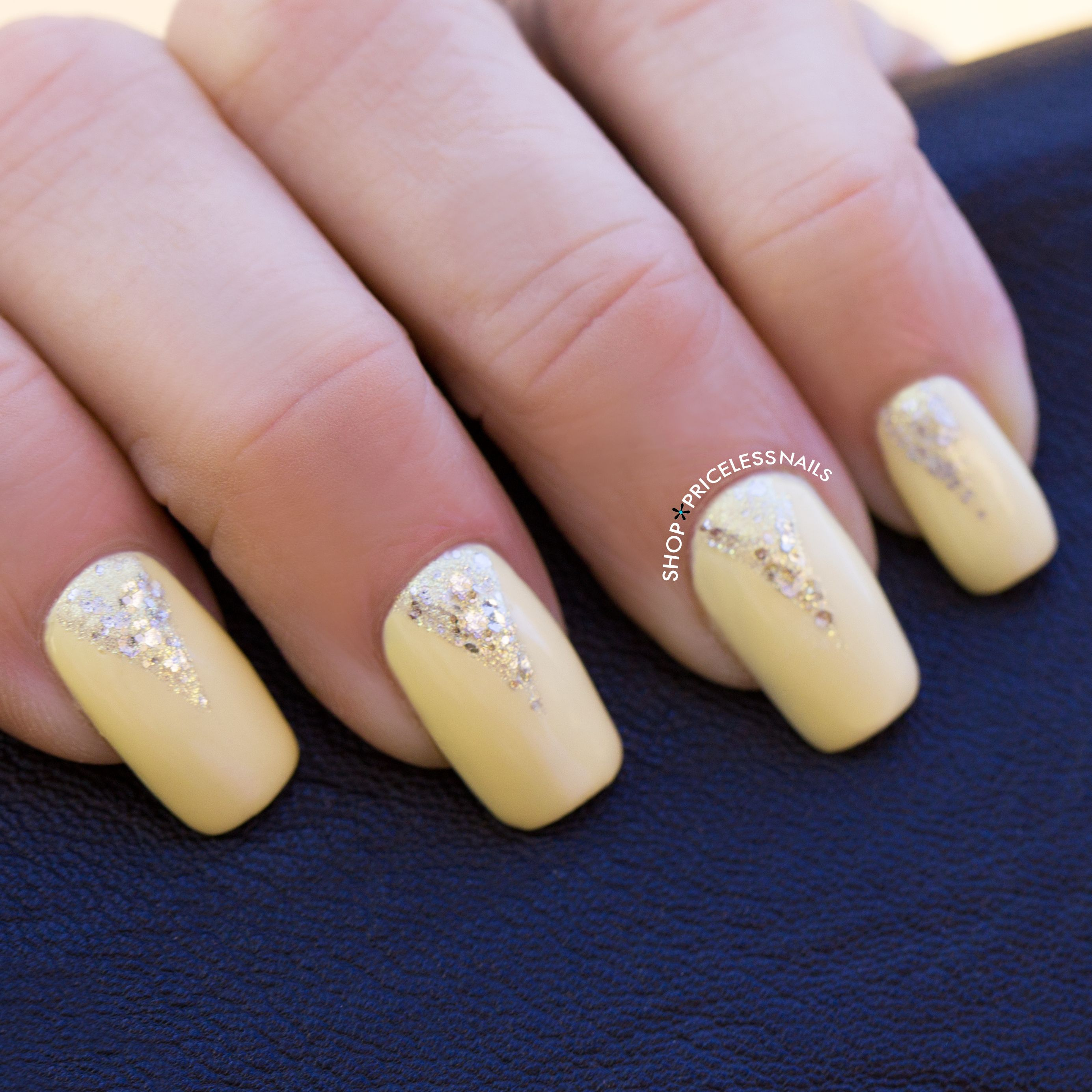 Brighten up your day with a pastel yellow mani!