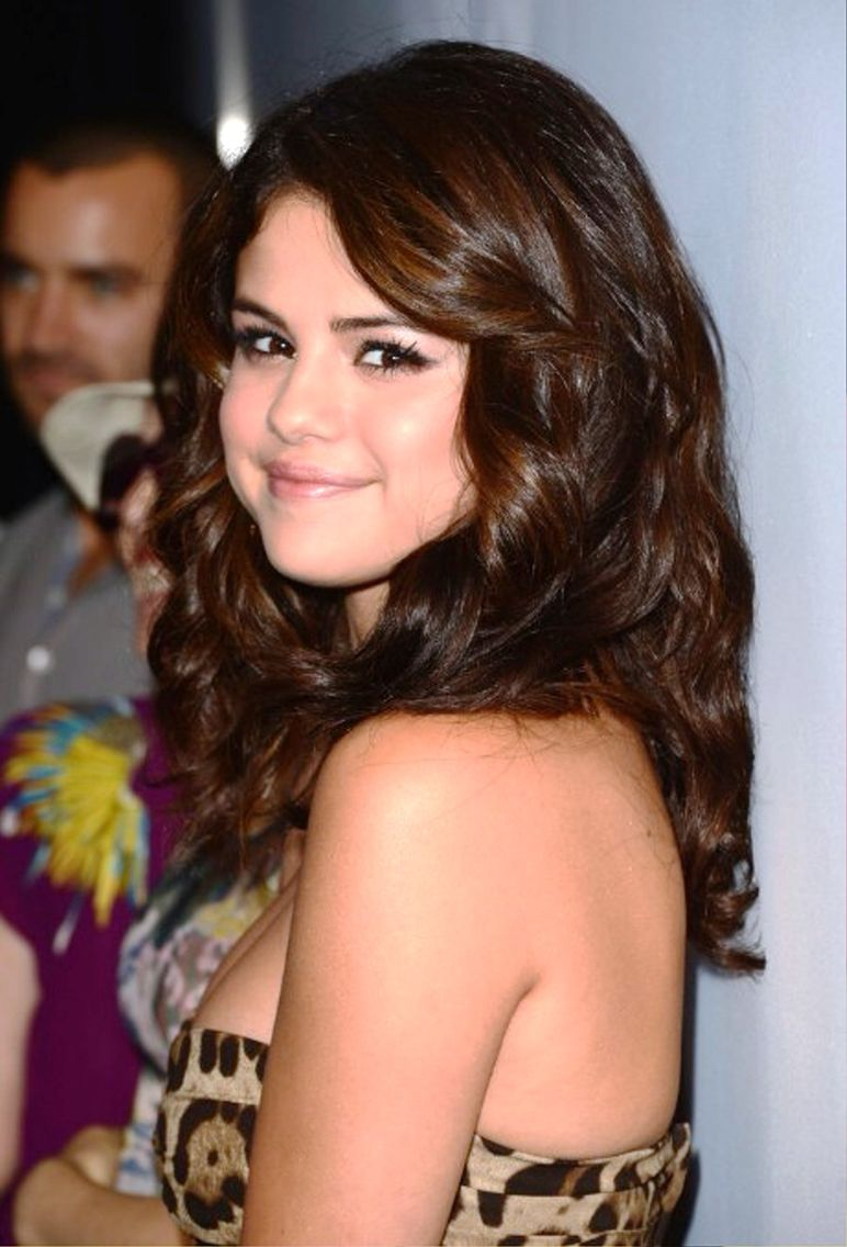 Pin by . on Ideas | Selena gomez hair, Selena gomez hair ...