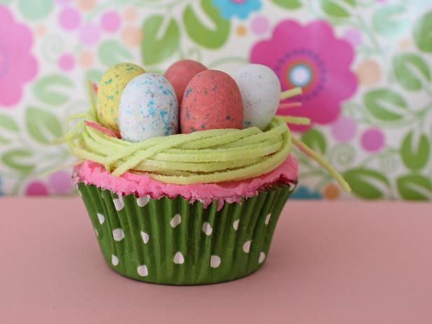 14 Easy and Adorable Easter Cupcake Decorating Ideas : easy spring cupcake decorating ideas - www.pureclipart.com