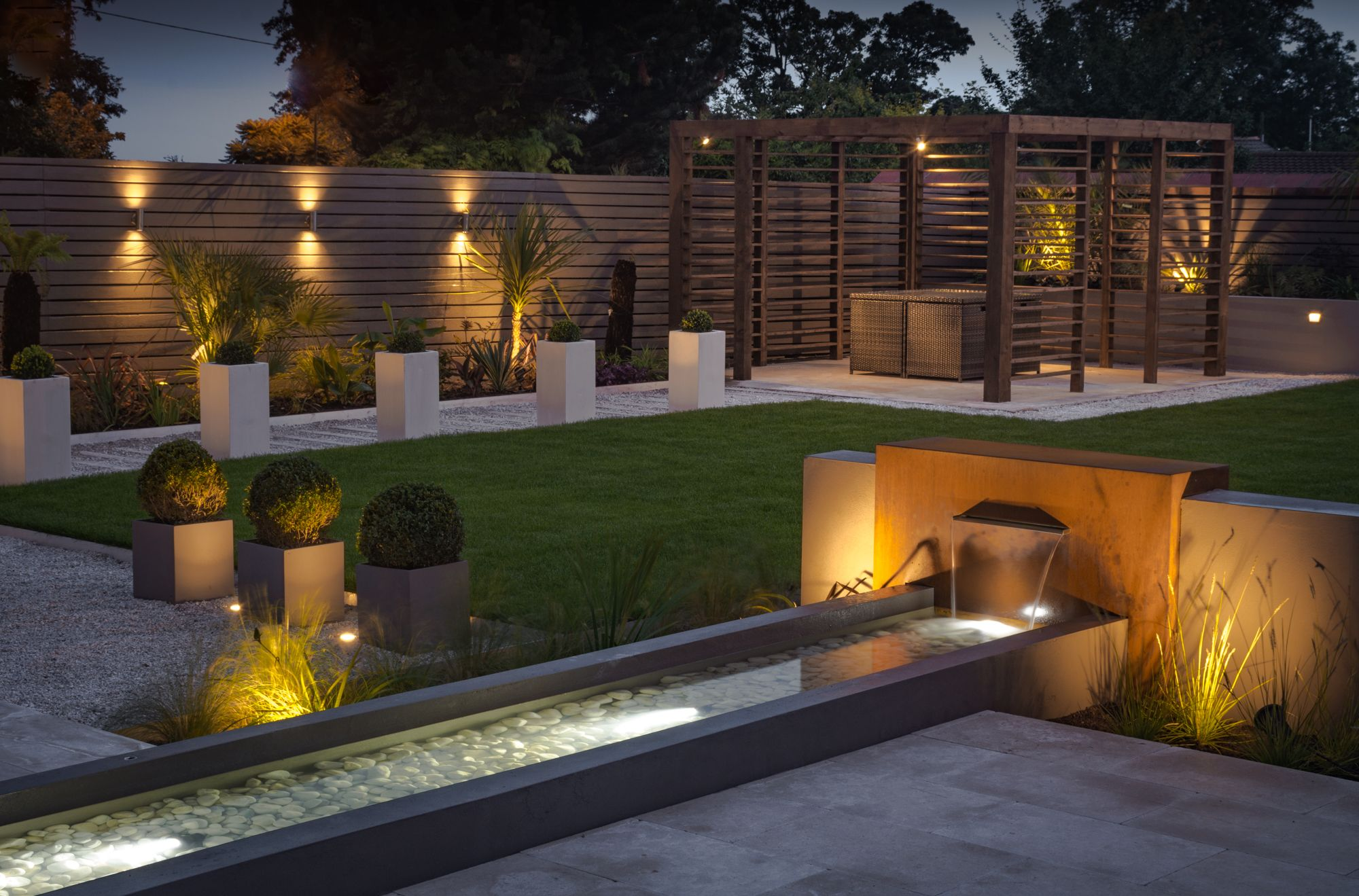 Mood Lighting Creates A Chic Atmosphere In Contemporary