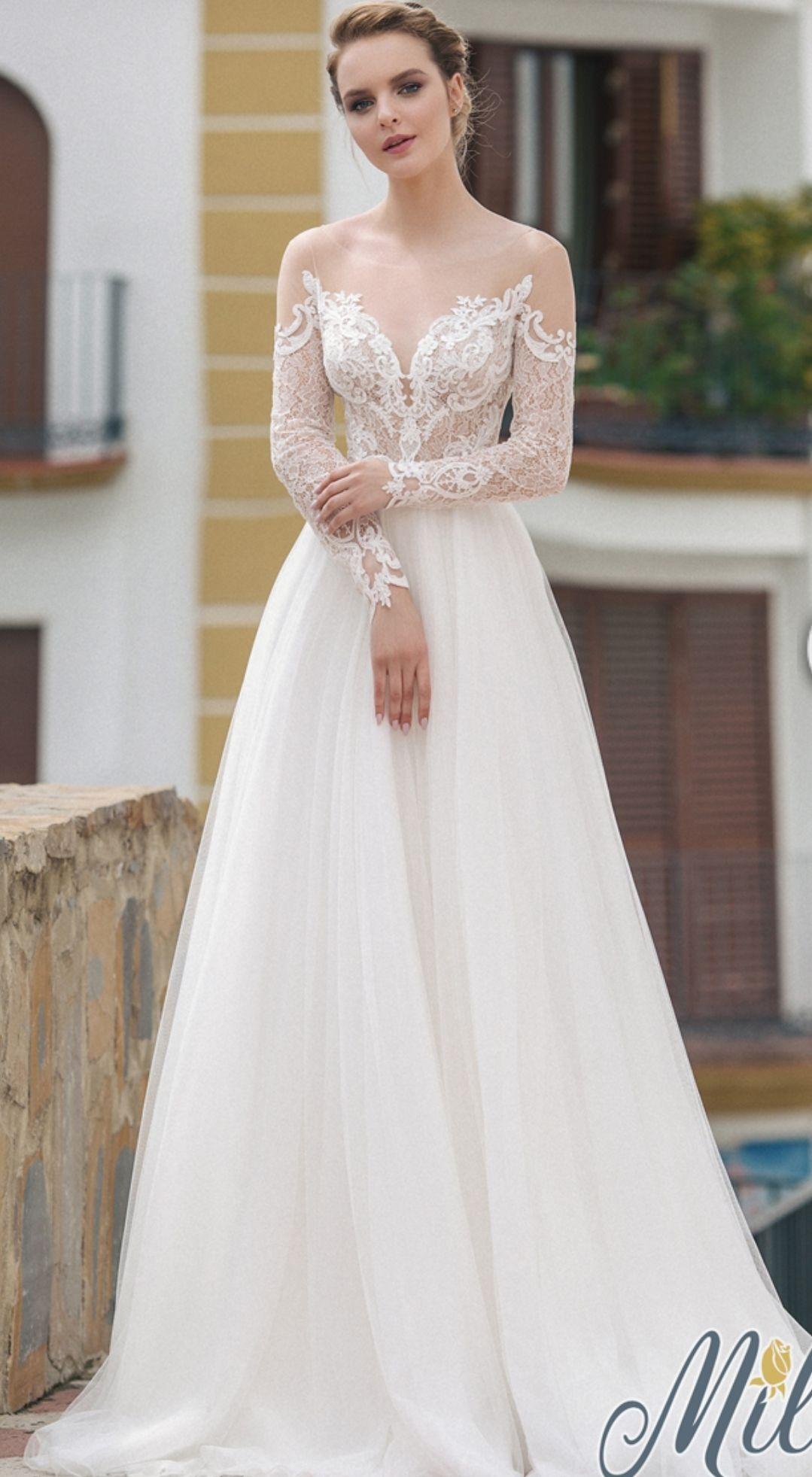 cf8cfb7132a5 Let brudekjole med lange ærmer. Www.brudekjoler-weddingdeluxe.dk ...