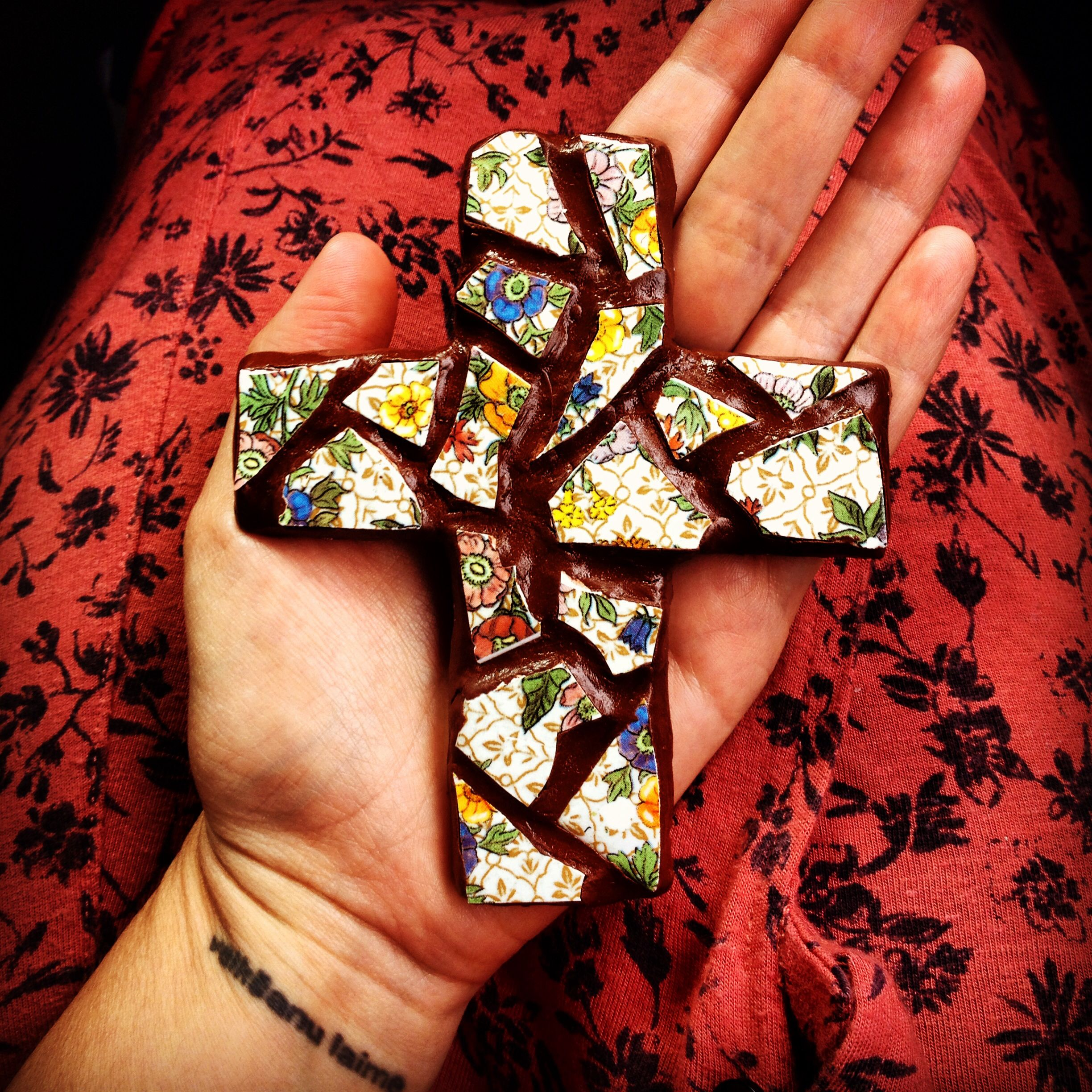 First mini mosaic cross. Turned out pretty cute to have been made from all scraps :)