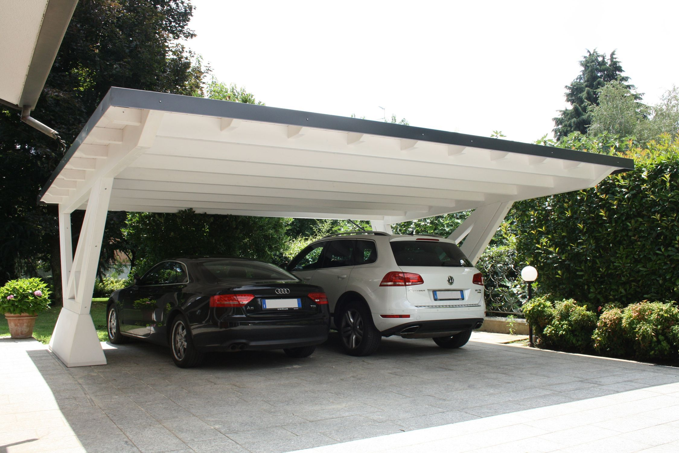 Reserve Your Cars In The Safest Stratco Carports In Sydney In 2020 Pergola Carport Modern Carport Carport Designs