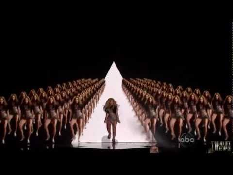 Beyonce Performs Run The World This Is Why She Is Amazing Beyonce Run The World Beyonce Music Beyonce Performance