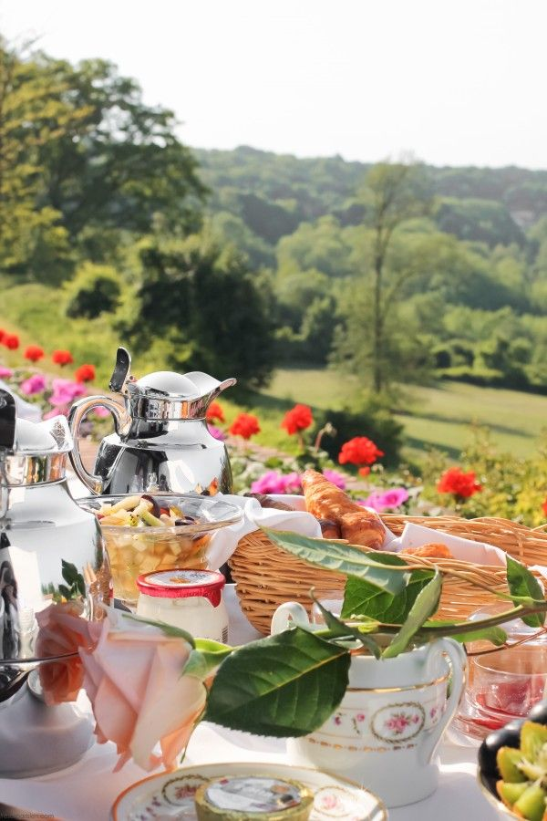 A champagne breakfast in Champagne, France by © AislingGreally 2014 - TrésorParisien