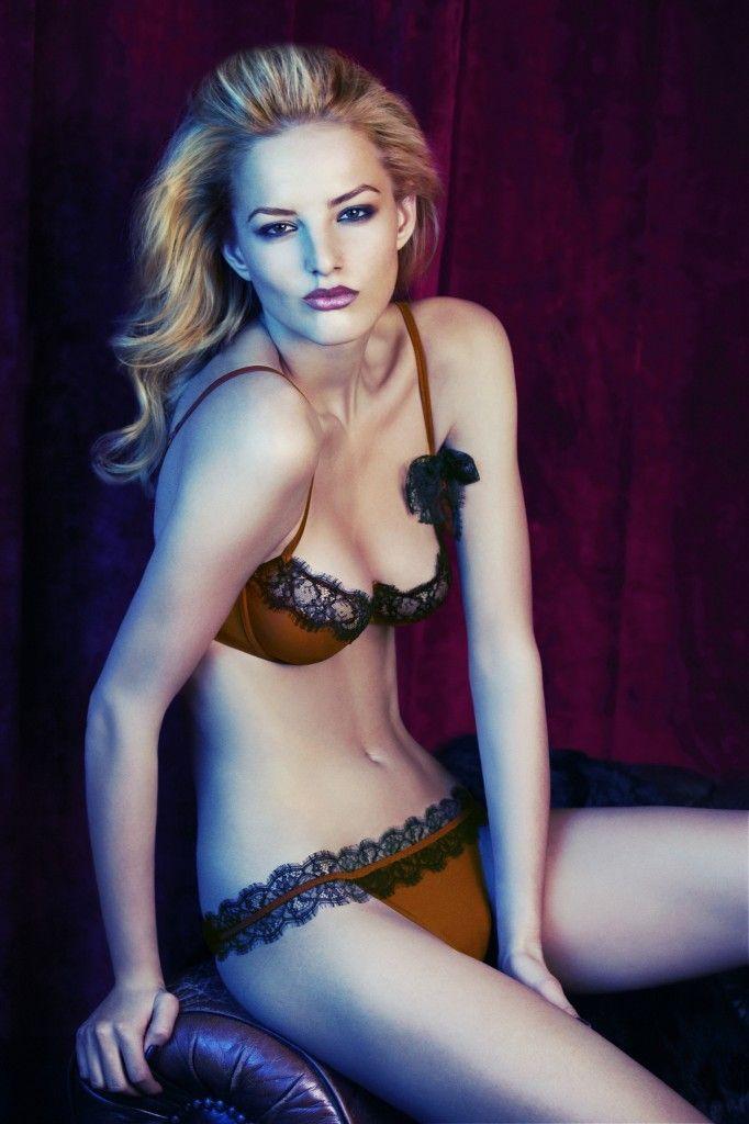 Sexy women in lingerie galleries