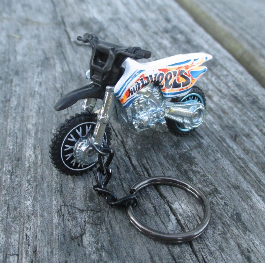 Hot Wheels Motorcycle Keychain Dirt Bike Hw450f Daredevils