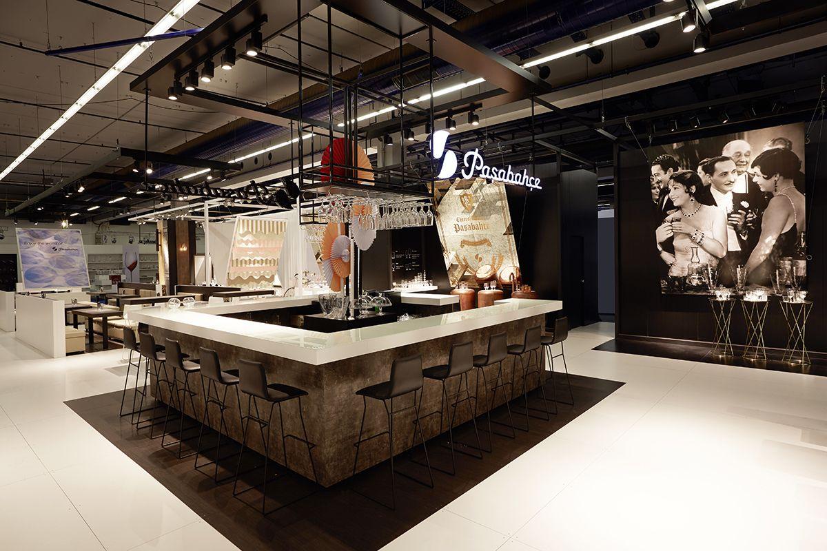 New exhibition design for pa abah e designed by demirden for Design museum frankfurt