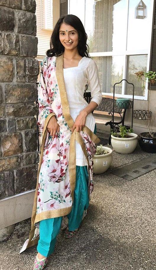 d2879d2129 Pinterest: @pawank90 Designer Punjabi Suits, Punjabi Suits 2017, Indian  Designer Wear,