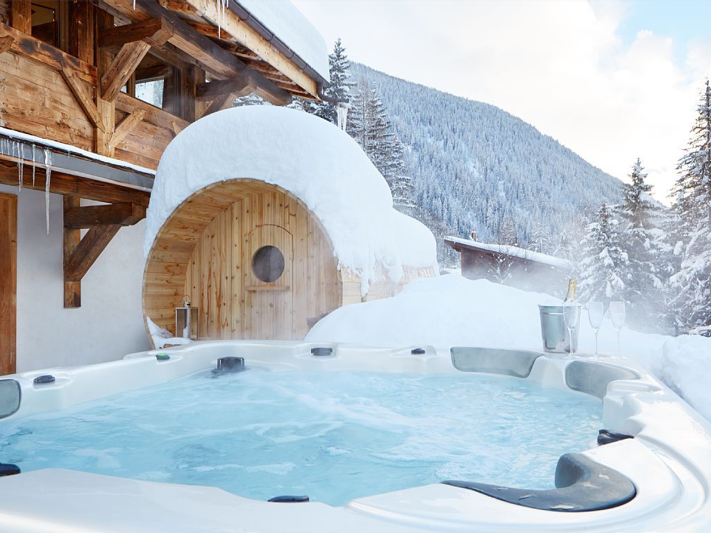 Argentiere Chalet Rental   New Luxury Outdoor Hot Tub And Wood Fired Scenic  Sauna