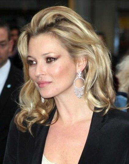 Kate Moss Style Icon In 2020 Kate Moss Hair Kate Hudson Hair Color Kate Moss