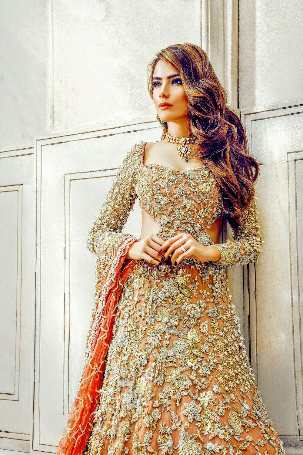 Fashion style Sheikh Amna wear nargis hafeez dresses pictures for lady