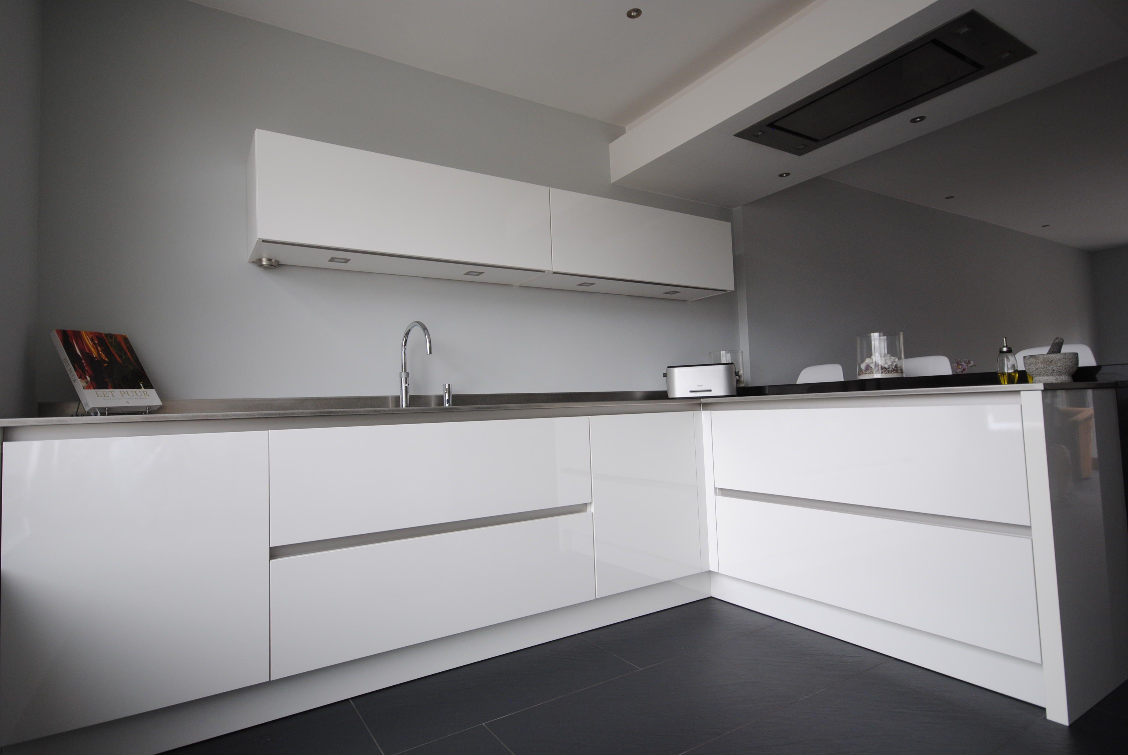 Moderne Hoogglans Keuken : Moderne hoogglans keuken moderne keuken
