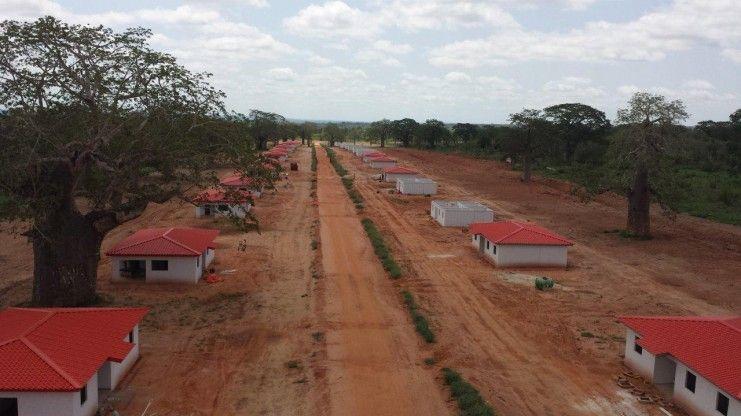 כפר מגורים אקולוגי, קימינה אנגולה -
