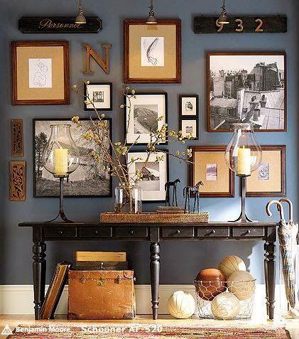 BOISERIE & C. Come disporre quadri e cornici sulla parete